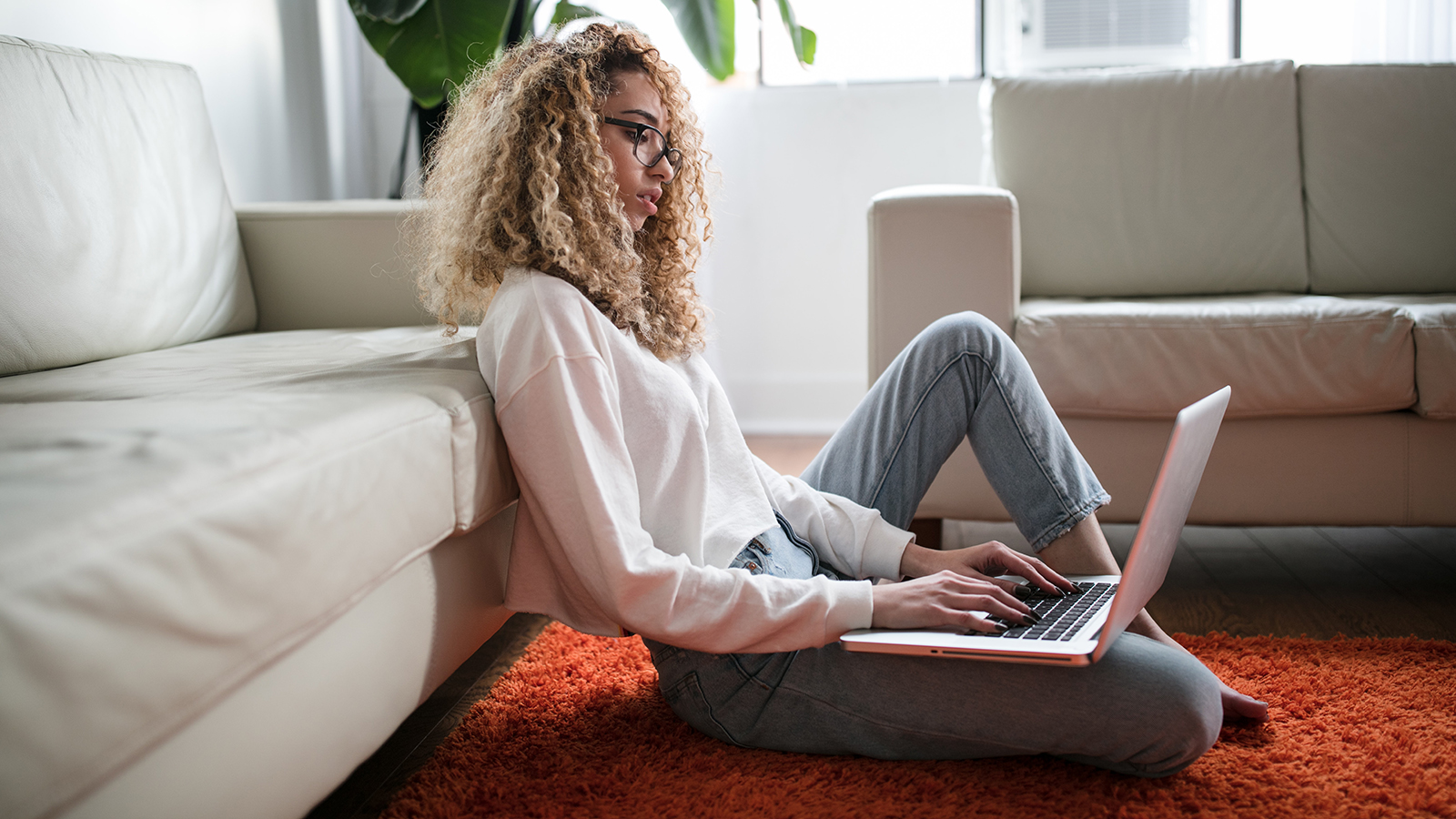 Working From Home? Here's How to Stay Focused on Work During COVID-19